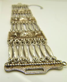 1920s Byzantine - 1st grade silver quality - Very good condition - Detailed heavy bracelet - By artist Mexican jeweler.