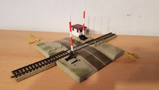 Märklin H0 - 7192 - Electric level crossing for M-rails