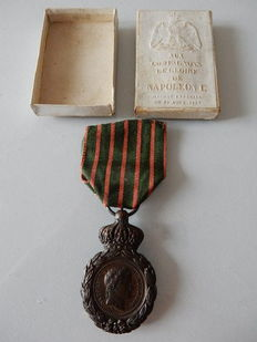 Commemorative Medal of St. Helena with box of origin - France