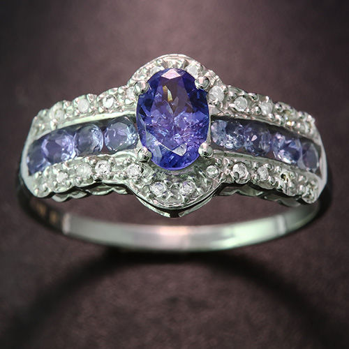 14kt Gold Ring Tanzanite - size US7 ***no reserve price***