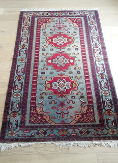 BEAUTIFUL Semi-Antique Caucasian Derbend RUG circa 1960  210 x 130cm