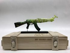 Yulia Muravyeva / Ray Coster - Flower- AK 47 - Art Against War - Peace Edition