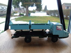 Dinky Toys-France - Scale 1/48 - Berliet Stradair No.569