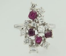 18 kt White gold ring set with rubies and diamonds in various cuts ****NO RESERVE PRICE****