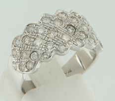 18 kt white gold fantasy model ring set with 34 brilliant cut diamonds, ring size 17.5 (55)