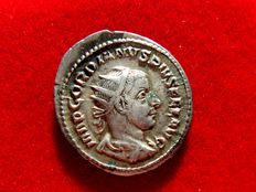 Roman Empire - Gordian III( 238-244 A.D.) silver antoninianus (5,06 g. 22 mm.). Rome mint, 8th. to 11th. emission, 4th. officina. 240-243 A.D. VIRTVTI AVGVSTI.