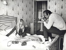 Terry O'Neill (1938-) - Brigitte Bardot and Sean Connery - Hotel Royale - Deauville - 1968