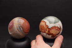 Polished Jasper Polychrome spheres - 8.06 cm en 8.18 cm - 1320gm  (2)