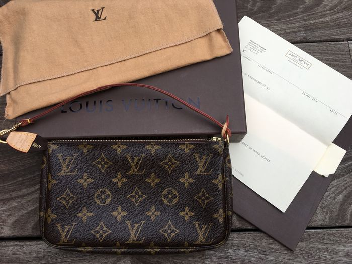 aa4a9de86b0ad Louis Vuitton