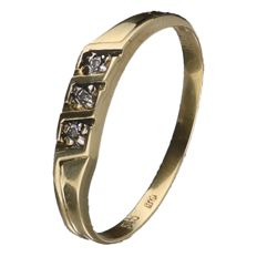 Yellow gold ring set with 3 brilliant cut diamonds of approx. 0.005 ct each (Total approx: 0,015 ct)