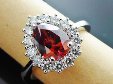 Diamond ring with pear-shaped cut diamond in intense fancy deep red colour, 1.55 ct in total