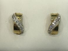 Gold earrings with zirconia