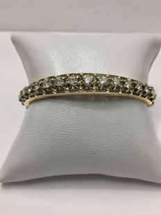 Gorgeous gold bracelet with 1.42 ct of Top Wesselton diamonds