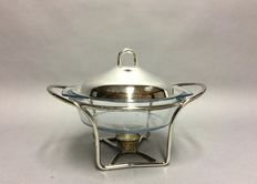 Refractory baking dish in silver plated mounting with silver plated lid, mid 20th century