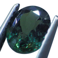 Alexandrite (Color Change: Bluish Green to Reddish Purple) - 1.00 ct