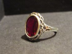 Ring in 925 silver with 3.69 ct Madagascan ruby
