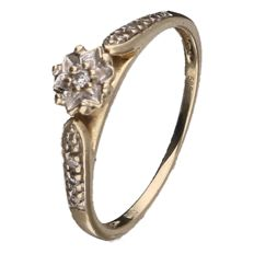 Yellow gold ring set with 9 brilliant cut diamonds, 8 of approx. 0.005 ct and 1 of approx. 0.01 ct (in total: approx.: 0.05 ct)