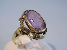 Gold amethyst ring yellow gold 8 karat amethyst 5 ct