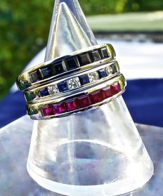Trilogy of 3 rings in white rhodinated 18 kt gold with sapphires, rubies and diamonds/sapphires