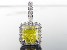 White gold pendant with Fancy Intense Yellow cushion cut diamond and side stones, 1.20 ct in total