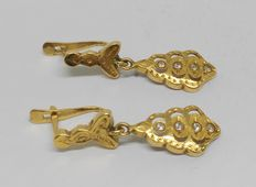 Earrings in 18 kt yellow gold, middle of the 20th century