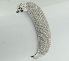 White gold 18 kt hinged bracelet with 241 brilliant cut diamonds of approx. 4.50 ct - Diamond E-F/VVS-VS