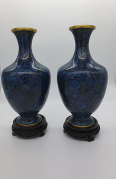 Two Chinese cloisonné vases - China - late 20th century