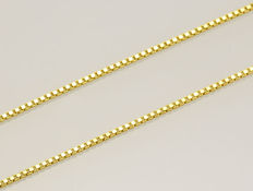Solid Box Link Chain in 18k Yellow Gold