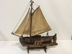 Model sailing ship loa 50 x 12 x 50
