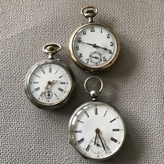 Lot of three pocket watches - 1 silver hand winder - 1 10 ruby key winder - 1 galonne - Approx. 1920