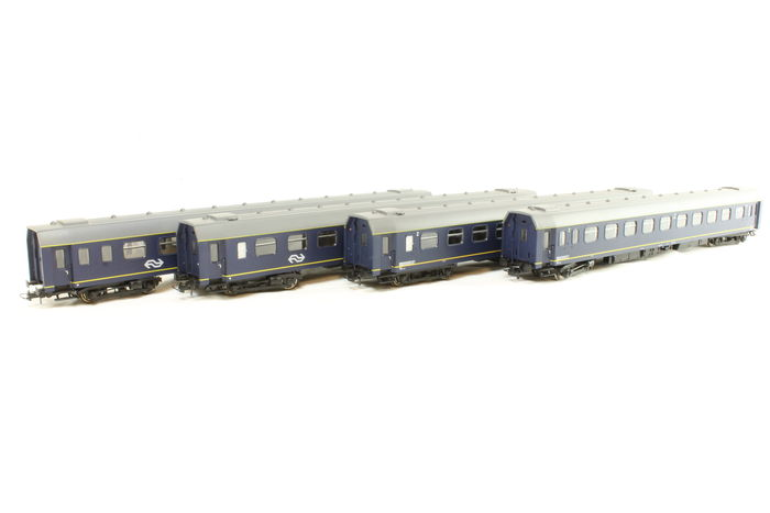 Heris H0 - 12214-1/-2 / 12217-1/-2 - 4 Plan-N Wagen der NS