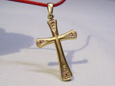 14kt gold cross-pendant with diamonds