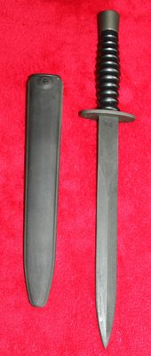 Swiss army dagger, made by Wenger, edition for the special forces, black, in absolute new condition with sheath. 20th century.