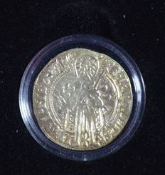 Gelderland – Arnoldus gold guilder from approx. 1450, Arnold van Egmond, in a case