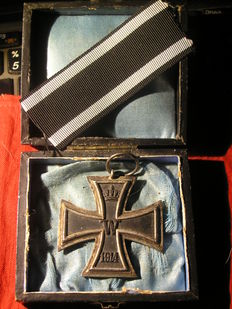Iron Cross on band 1st world war with case