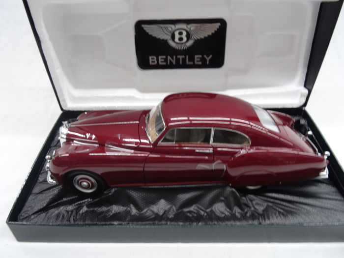 minichamps giftbox scale 1 18 bentley r type continental 1954 colour bordeaux red. Black Bedroom Furniture Sets. Home Design Ideas