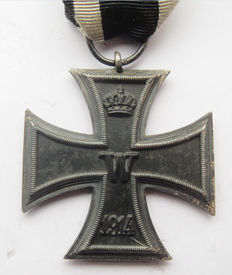 "German original medal: iron cross 2nd class with band and maker ""K"" - WW1."