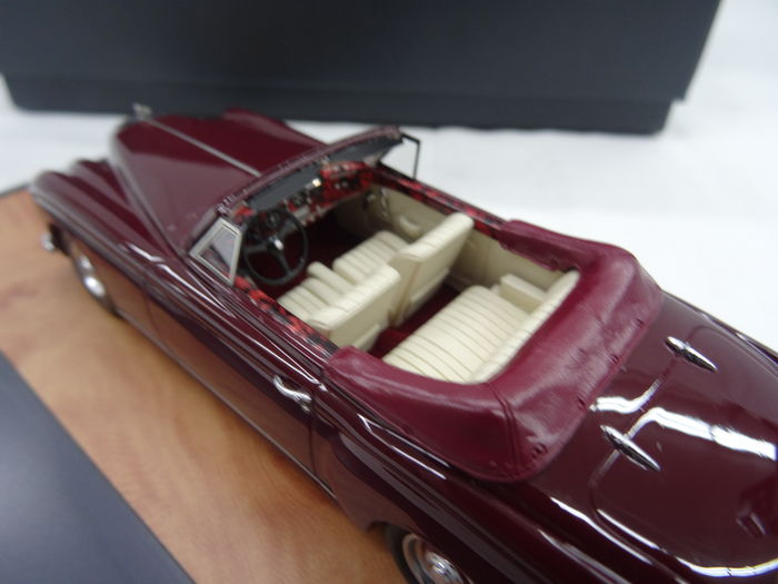 matrix scale models scale 1 43 bentley s1 continental dhc colour bordeaux red catawiki. Black Bedroom Furniture Sets. Home Design Ideas