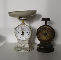 "2  ""Salter's improved Family scale"" of cast iron - England - ca. 1900"
