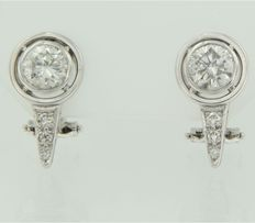 18 kt white gold clip-on earrings, set with brilliant cut diamonds, approx. 2.16 carat in total, H/Top Wesselton I1/SI