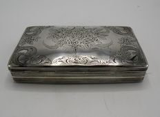 Silver tobacco case with floral pattern, Netherlands, 1876