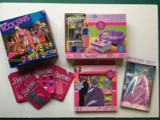 Barbies woonkamer 47272, Rock star 3611, kledingsets