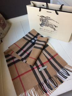 Burberry - scarf - original - with bag and packaging
