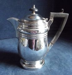 Large water/wine silver plated pitcher of English provenance, in Georgian style c1890, by John Collis