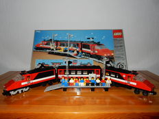 Trains 12V - 7745 - High-Speed City Express Passenger Train