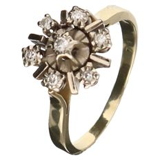 Yellow gold rosette ring with 7 brilliant cut diamonds of approx. 0.22 ct in total, in a white gold setting