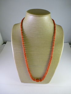 Coral necklace - 18 kt clasp