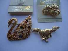 Swarovski 18 k gold plated brooches (3)