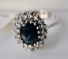 Engagment white gold ring 14kt. with white diamonds G / VS and Sapphire; total 3,02Ct.