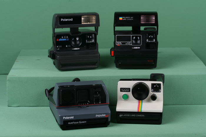 A lot of 4 vintage Polaroid cameras. Polaroid 1000 Green Button, Polaroid  Impulse AF fc3b62ebe92b